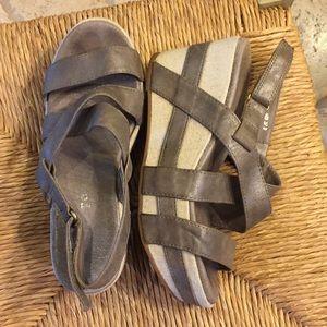 Silver metallic platform sandals size 7
